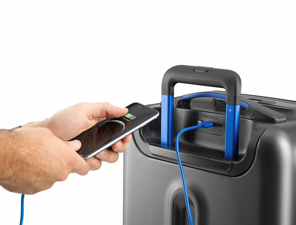 bluesmart-suitcase-battery-charger